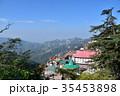 インドの絶景 シムラーの美しい街並みとヒマラヤの山々 35453898