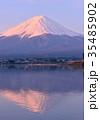 河口湖 紅富士 富士山の写真 35485902