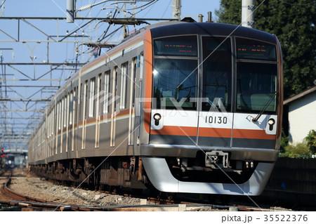 西武線を走る東京メトロ10000系 35522376