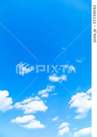 雲 積雲 青い空 白い雲 秋の空 冬の空 背景用素材 クラウド 青空 合成用背景 35548082