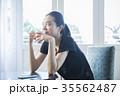 女性 若い カフェの写真 35562487