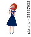 パーティドレスの女性 35567932