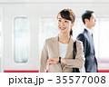 ビジネス 女性 電車 撮影協力・京王電鉄株式会社 35577008