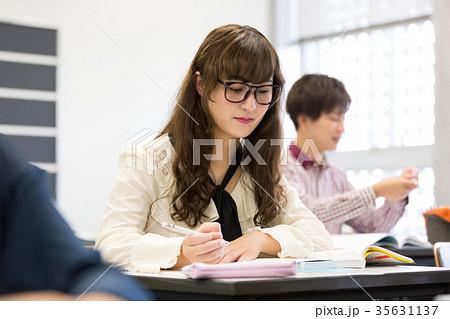 大学生 勉強 35631137