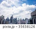 都会の景色ビル郡、青空、タイ、バンコク、アソークエリア 35638126