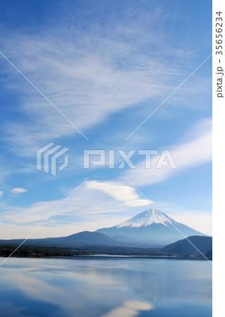 冬の青空と富士山 35656234