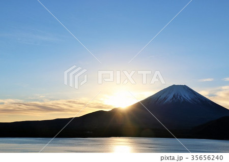 迎春 富士山と新年の光 35656240