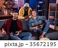 ゲーム 仲良し 仲間の写真 35672195