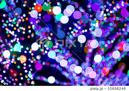 ぼかしたイルミネーション LED光源 ぼかし背景 玉ボケの写真素材 点光源 35698246