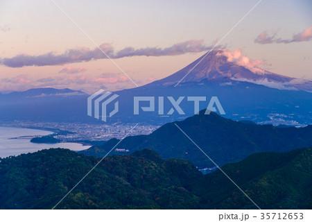 伊豆葛城山から、秋の富士山 35712653
