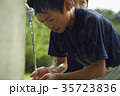 少年野球 休憩 水道 顔を洗う男の子 35723836