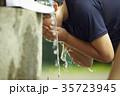 少年野球 休憩 水道 顔を洗う男の子 35723945