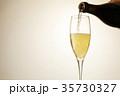 シャンパン スパークリングワイン シャンパングラスの写真 35730327