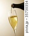 シャンパン スパークリングワイン シャンパングラスの写真 35730354