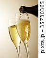 シャンパン スパークリングワイン シャンパングラスの写真 35730365