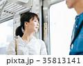 若い女性 電車 撮影協力・京王電鉄株式会 35813141