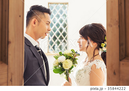 フォトウエディング 結婚 新郎新婦 35844222