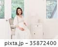 女性 妊婦 妊娠の写真 35872400