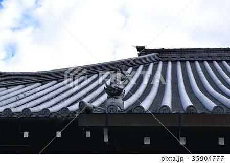 屋根の飾り瓦 35904777
