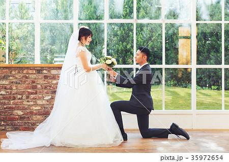 フォトウエディング 結婚 新郎新婦 35972654