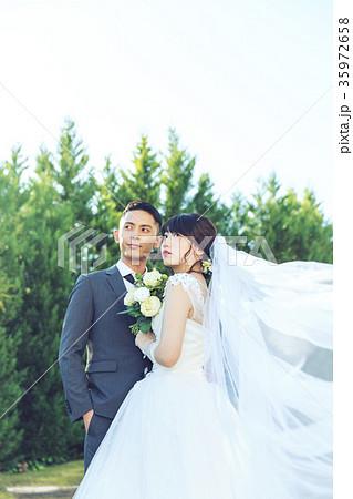 フォトウエディング 結婚 新郎新婦 35972658