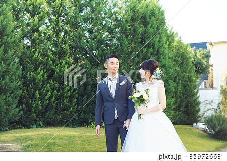 フォトウエディング 結婚 新郎新婦 35972663
