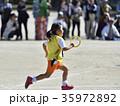 運動会 リレー 走るの写真 35972892