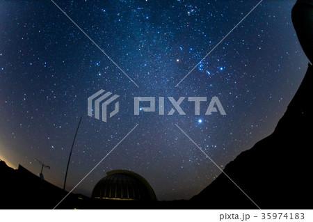 福岡県八女市 星野村の天文台と星空(消灯後) 35974183