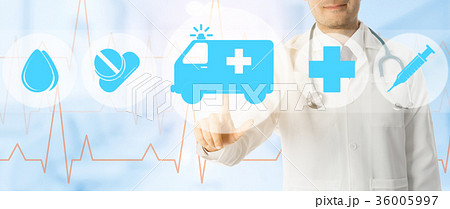Doctor points at ambulance and emergency iconの写真素材 [36005997] - PIXTA