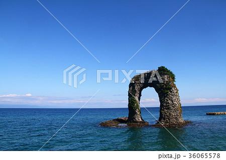 奥尻島 なべつる岩 36065578