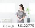 若い女性 パーティ ドレスアップの写真 36122775