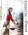 美容師 美容室 女性の写真 36136358