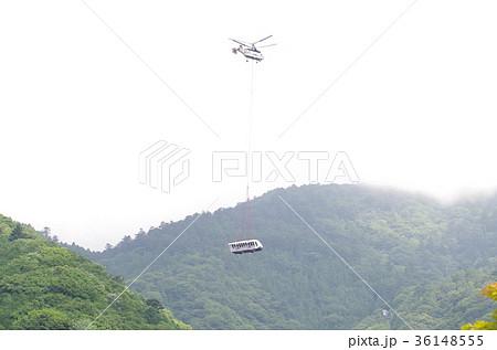 大山ケーブルカー ケーブルカー空輸1 36148555