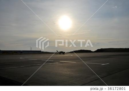 午後の飛行場 36172801