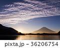 富士山 日の出 精進湖の写真 36206754