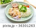 タイ料理、エスニック料理、海南鶏飯、カオマンガイ。パクチーを添えて。 36301263