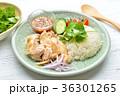 タイ料理、エスニック料理、海南鶏飯、カオマンガイ。パクチーを添えて。 36301265