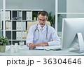 外国人 白人 医師の写真 36304646