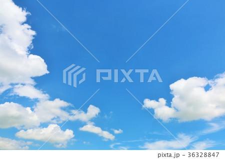 夏の青空と雲 36328847