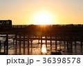 嵐山渡月橋の朝日 36398578