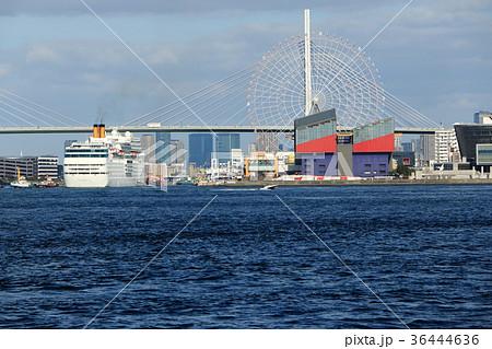 クルーズ船コスタ・ネオロマンチカ大阪港入港 36444636