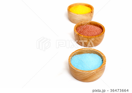Sea salt in bowl for spa treatmentの写真素材 [36473664] - PIXTA