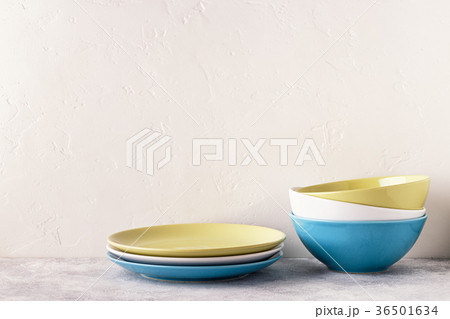Crockery and cutlery on a light table.の写真素材 [36501634] - PIXTA