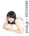 女性 リラックス ベッドの写真 36534086