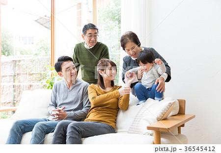 家族 3世代 36545412