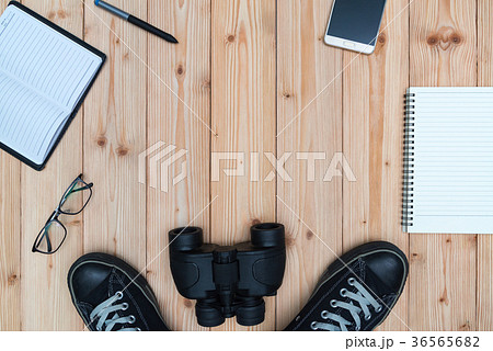 Essential vacation items, sneakers, glasses, phoneの写真素材 [36565682] - PIXTA