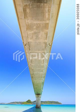 角島大橋 -エメラルドグリーンの海にかかる橋・山口県の絶景スポット- 36605088