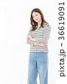 女性 若い カジュアルの写真 36619091