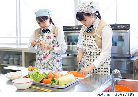 中学生 家庭科 調理実習 36637398