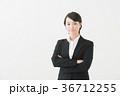 女性 スーツ 新入社員の写真 36712255
